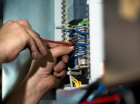Service Montage Wartung - Ersatzteildienst-